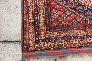 Antique Khamseh carpet 9'2 x 5'6 - 281 x 170 low pile but useable, no significant restoration excellent colours and interesting design features. Circa 1880