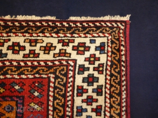 1603 Antique Bergama Kozak rug, circa 1850. 3'5 x 3'5 - 105 x 105