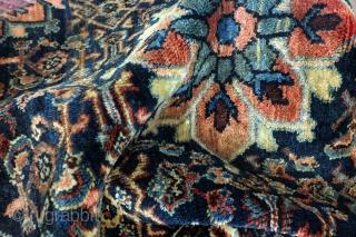Fine old Sarough, 80 years, 70 x 80 Cm. 2.3 ft. x 2.6 ft.  Kilim ending wool on wool.