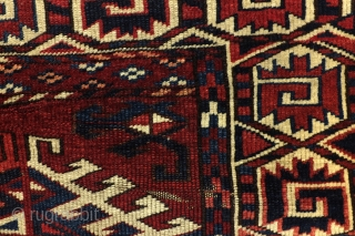 Antique Turkoman Ersari Yomout rug. 1880 - 1890. 250 x 170 cm. 8.3 ft. x 5.6 ft.  In great condition. Only one thin spot, see last but one photo.  Heading intact, great pile,  ...