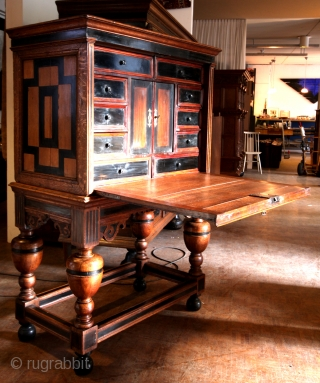 ( Kunst Kabinet - Art Kabinet) my mistake, it is a much more rare writing desk  - late 17th century, Dutch.