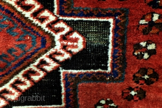 Afshar, antique - doj goli a Parizi- two flowers from Parizi.  Almost square, 175 x 145 Cm. 5.8 ft. x 4.8 ft.  Natural colors, great red! The black color has as a  ...