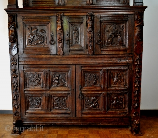 Special piece of furntiture 'Beelden kast' beelden = statues   Southern Netherlands, Belgian Hainaut ( Henegouwen) with the coat of arms of the town Anderlues.  Dated 1607. Created by 16th century people.   ...
