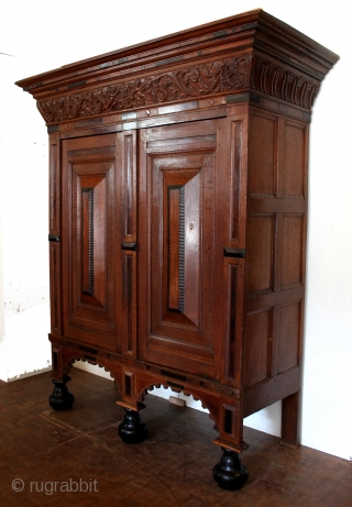 Dutch 17th century Kussenkast. 1660. 