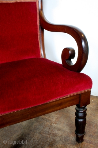 Set Regency chairs, Cuba Mahogany, superior and extinct wood species.  I like this eclectic kind of settings.  Ask for the whole setting.