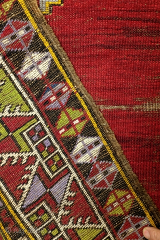 Karapinar, Anatolia, 19th century, 140 x 93 Cm.    As found, not restored or washed. Headings have wear, kilim endings are worn off.   Great green color. Warp white wool. The sides are  ...