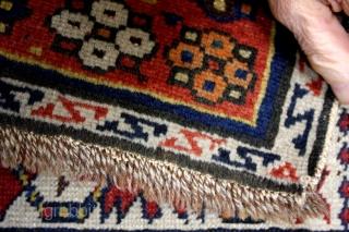 Baku, Adzerbeidzjan, ceab border, crispy details, natural colors,  fine knotted. 290 x 140 Cm's.