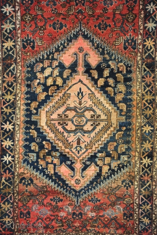 Hamadan area.  190 x 114 Cm.  6.3 ft. x 3.8 ft.  Wool on cottom.  early 20th century.   Old repair on the back unvisable in the front.  Great pile and abrash.
