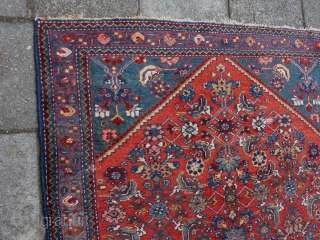 "Finely woven Senneh small rug 147  x 105 cm., 4' 10"" x 3' 5"". Very good condition and pile. Just one tiny spot of wear ( last pict. ). All good  ..."