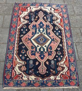 "Antique Senneh/Bidjar Kilim 161 x 108 cm., 5' 3"" x 3' 6""."