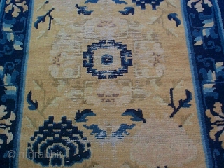 """#5935 Ningxia  This Ningxia measures 2'11"""" X 5'2"""". It has a center medallion in ivory with a blue center with either blue or pink chrysanthemums in the corners of the field. There are  ..."""
