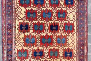 Antique persian avshar rug ivory main color amazin like a Iznik tile colors and full pile all original size 1,88 x 1,41 cm and Circa 1900-1905