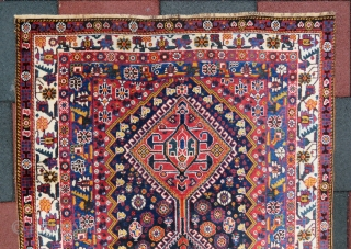 Khamseh Rug wonderful colors and excellent condition all original size 2,70x1,33 cm (8''8 x 4''4 ) foot Circa 1900-1910