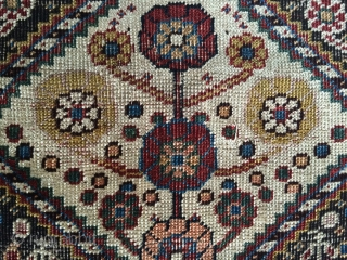 Fine and colorful antique Qasshgai rug 100x200 cm