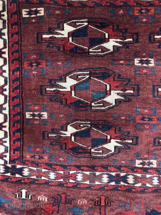 Karadashli Yomud Chuwal, Turkmenistan, 19th century, wool on wool, 106 x 70 cm