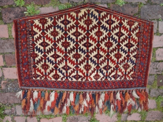 rare brilliant colors Yomud Yomut Asmalyk....124 x 81cm All good natural colors- .........With silk in the amulet-left below. !High flor - small holes-the one looks on the pictures.cotton flor left side border...  ...