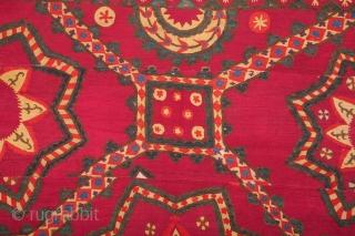 Uzbek Pishkent Suzani 201 x 268 cm / 6'7'' x 8'9''