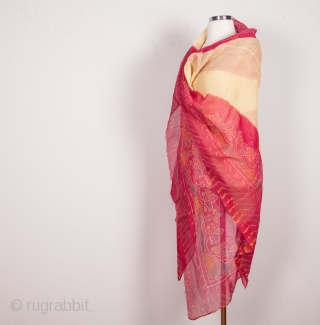 Indian Tie and dye shawl  160 X 190 CM / 5'2'' X 6'2''
