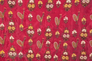 Indian Kutch Gudjarat Embroidered Silk Skirt 84 x 193 cm / 2'9'' x 6'3''
