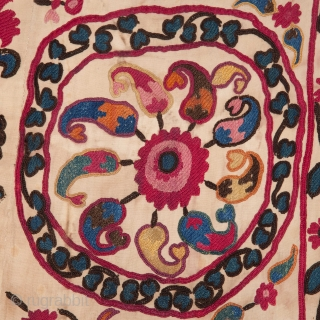 Central Asian Tajik Suzani 125 x 195 cm / 4'1'' x 6'4''
