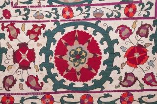 Uzbek Samarkand Suzani 188 x 248 cm / 6'2'' x 8'1''