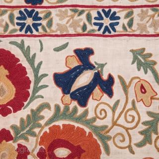 Uzbek Suzani 168 x 256 cm / 5'6'' x 8'4''