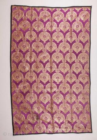 Russian Brocade 160 x 248 cm / 5'2'' x 8'1''