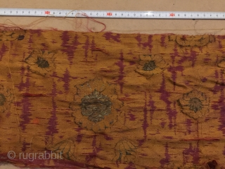 More pictures for you !İtalyan Lampas brocade silk and gold bysos? 1580-1620 c? fragment with traces of sealing wax design from the byzantium