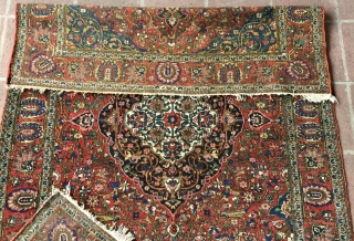 """1930s Finely woven 4' 7"""" x 6' 7"""" Bakhtiari in excellent overall condition"""