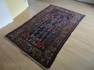 Antique Shahar Mahal  Bachtiari  rug  round  1900  132 X 207 cm.