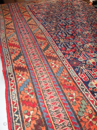 Wunderful  and superb antique Afshar 19 th. century  146 X 229  cm.