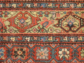 large Border Fragment - North West Persian - maybe Ferahan - very nice colours (including slightly corroded apple-green) and glossy soft wool / Size: 120 cm x 65 cm