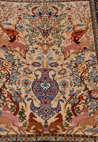 """Lovely Antique Persian Isfahan pictorial oriental rug, 3'6"""" x 5'4"""" (107 x 163 cm.) kurk wool pile and silk foundation, excellent condition, professionally hand washed and cleaned."""