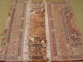 "Antique Persian Ravar Kirman rug, size ft. 4'6"" x 7'6"" , very good original condition, the sides and both ends are intact , original fringe."