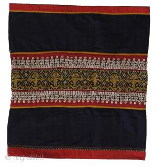 Sitting spirits in this splendid Maloh skirt cloth. Kalimantan. www.tinatabone.com