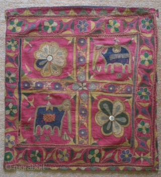 Antique India embroidery, no: 180, size: 58*55cm, late 19th century, mirror and wool and cotton, all natural colors.