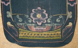 Antique pillow Swedish embroidery, no: 212, size: 71*54cm, 19th century, wool on wool, all natural colors.