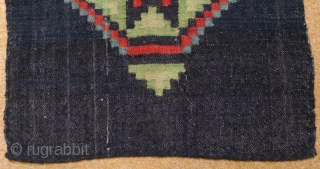 Antique Swedish kilim(Rolakan technique), no: 263, size: 82*45cm, wool on cotton, all natural colors.