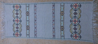 Antique Swedish cross stitch on kilim, no: 289, size: 104*45cm, is the wall hangings.