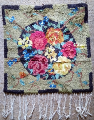 Antique Swedish Rya Rug, no: 372, size: 53*53cm, is the wall hangings.