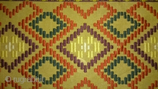 Antique Swedish Kilim(Rolakan technique), no: 220, size: 116*40cm.