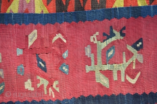 I am very proud to present you this finely woven antique Pirot Sarkoy kilim with great uncatalogued design.Very poetic,abstract and powerful. early XIX century. Enjoy!