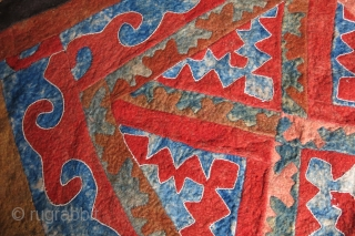 "Central Asia - Uzbekistan Khorezm Khiva tribal felt, natural colors, circa 1900 or earlier- size : 143 cm X 288 cm  113"" X 57"""