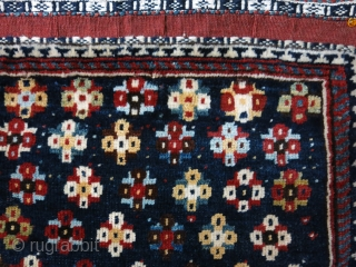 "Qashkai bag face with deep blue background. symmetrical knots. Circa 1900 or earlier Size :  22"" X 20"" -- 56 cm X 51 cm"
