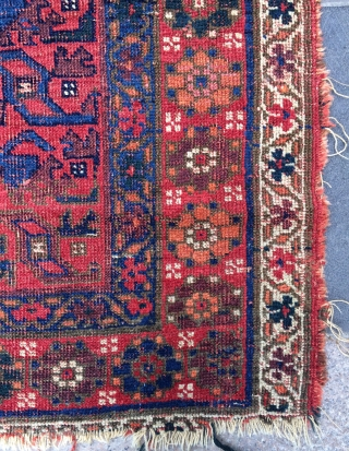 Persian very old Kurdish fragmant rug size 112x120cm