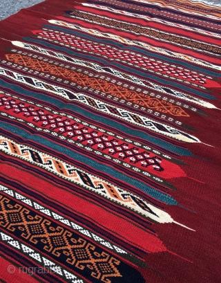 Rare Esfahan kamu kilim size 250x120cm