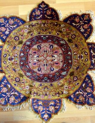 Anatolian Sivas silk rug 19th century  Size 90x80cm