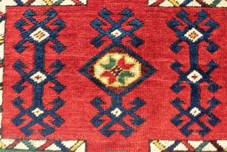 Not really old but very colorful anatolian Döshmealti. size. 104 x 103 cm. Very good condition.