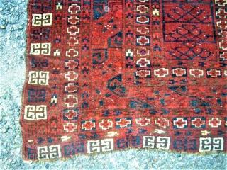 antique turkmen Hatshlu rug. Size: 143 x 173 cm. Damaged. Holes.