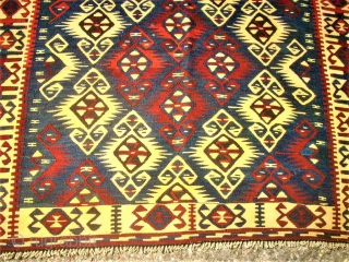 Very nice caucasian kilim. Size : 114 x 170 cm. Good condition.